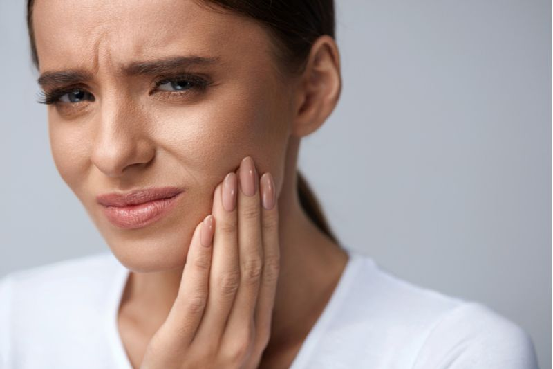 Women with toothpain