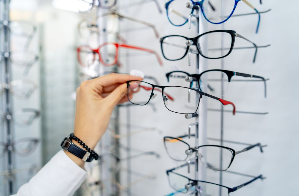 Choosing the Best Glasses for You!