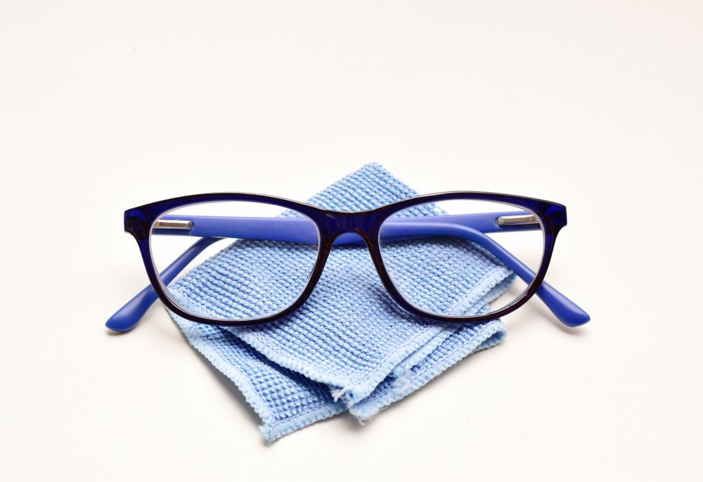 How to Clean Your Microfiber Eyeglass Cloth