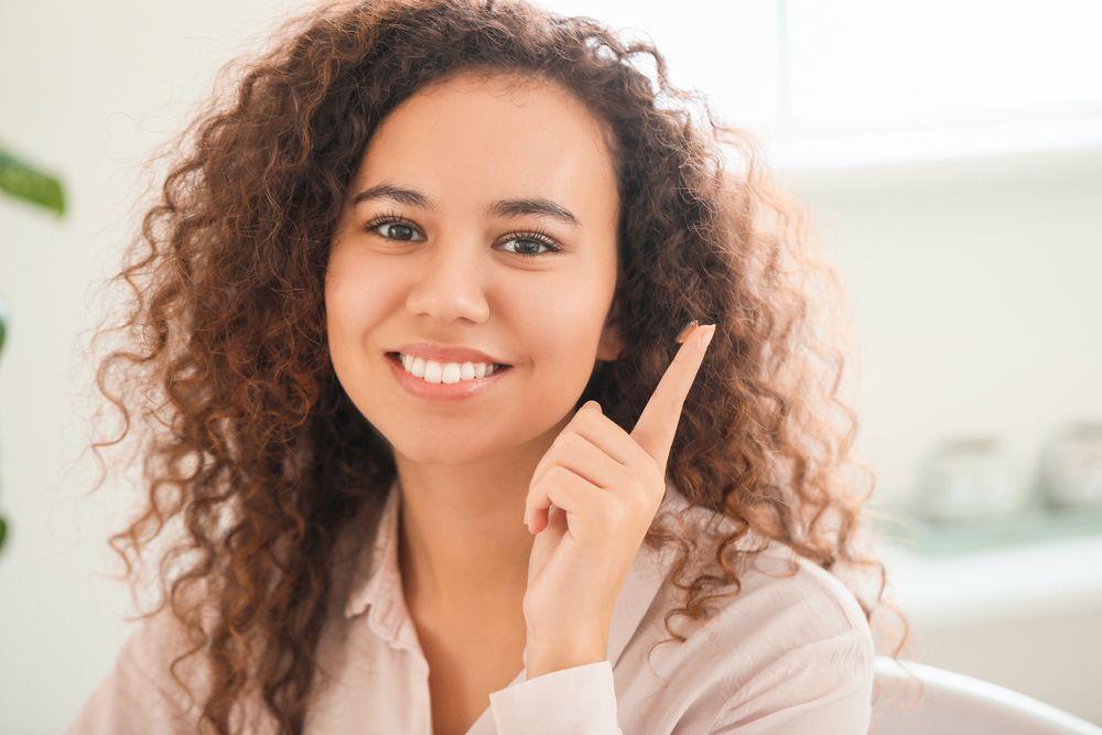 Advantages of Continuous Wear Contact Lenses