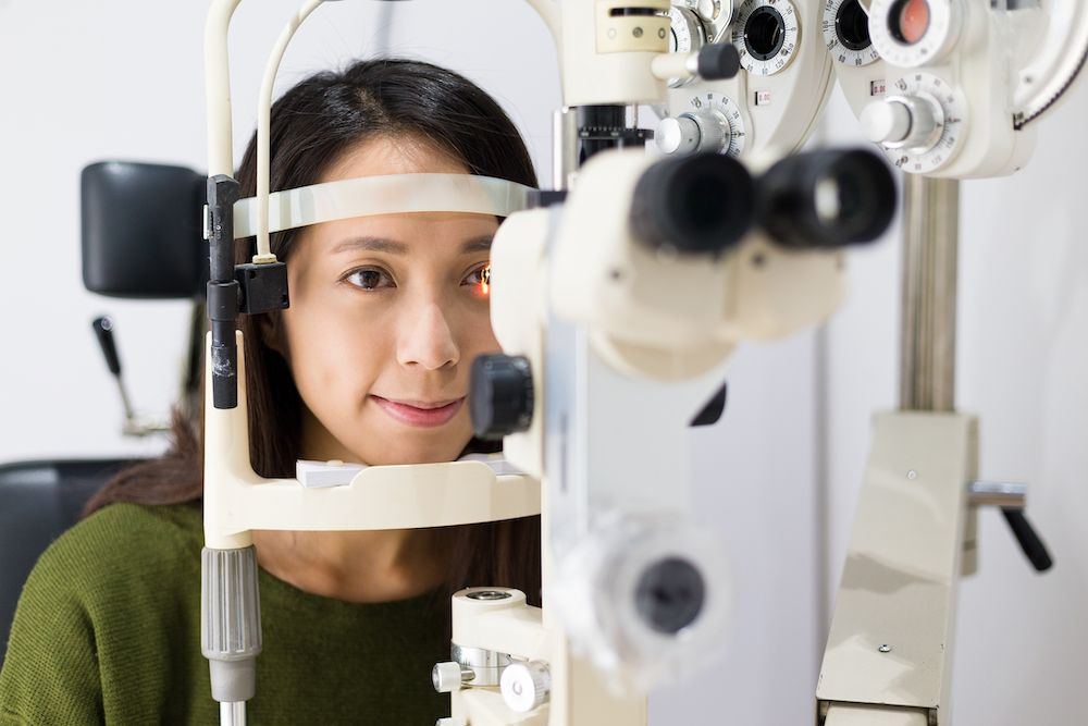 Optometrist vs. Ophthalmologist: Who To Consult For LASIK