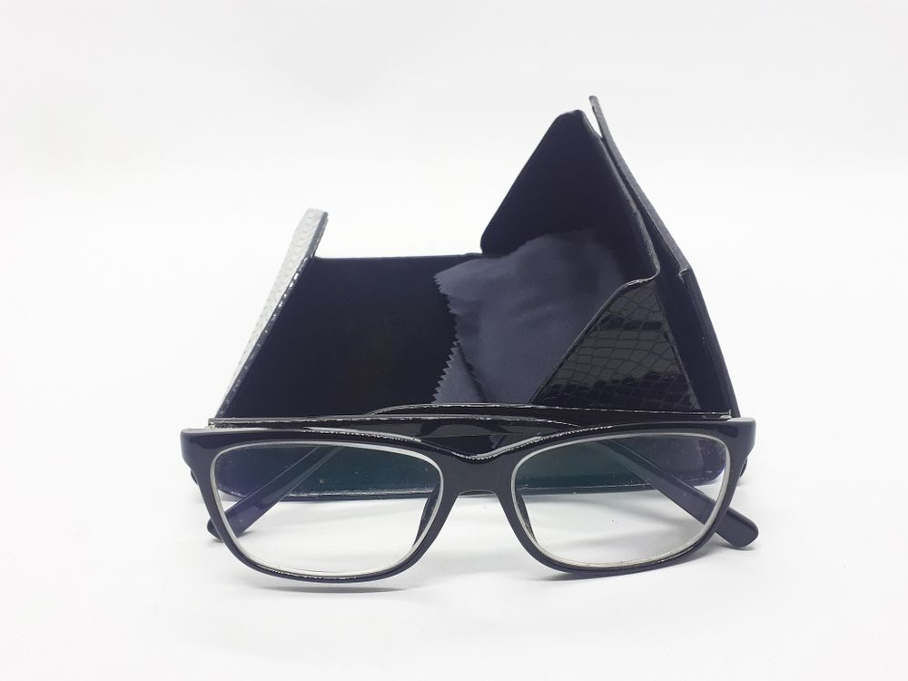 What are Prism Eyeglasses?
