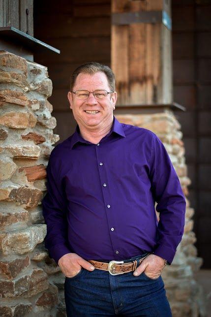 Dr. Merten Pearson