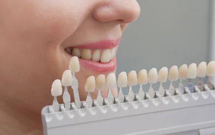 woman choosing veneers