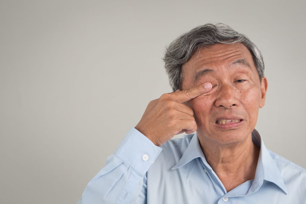 When Should I Be Concerned About Dry Eyes?