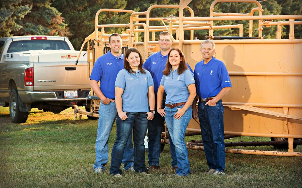 rock veterinary clinic team