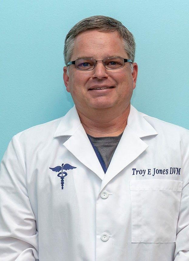 Troy Jones, DVM