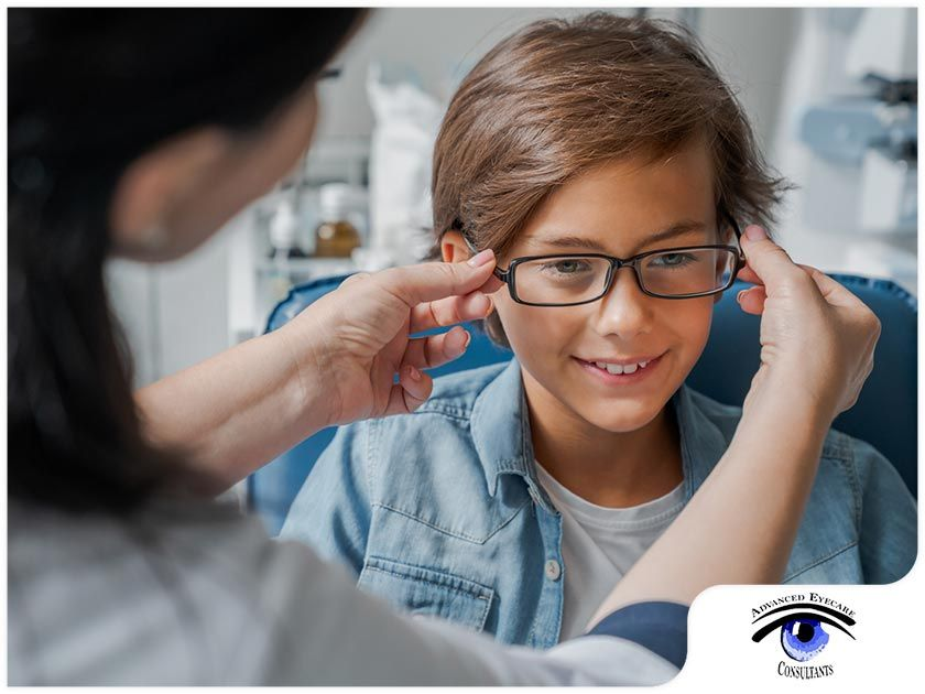 TIPS TO ENCOURAGE YOUR CHILDREN TO WEAR THEIR EYEGLASSES