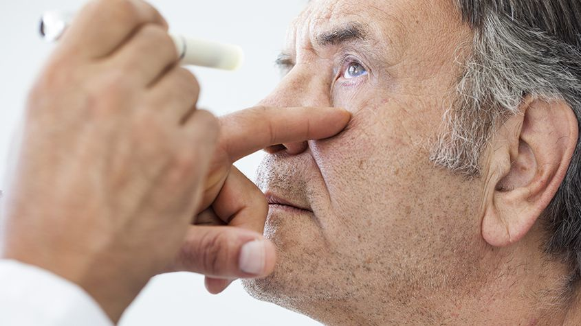 Woman having dry eyes