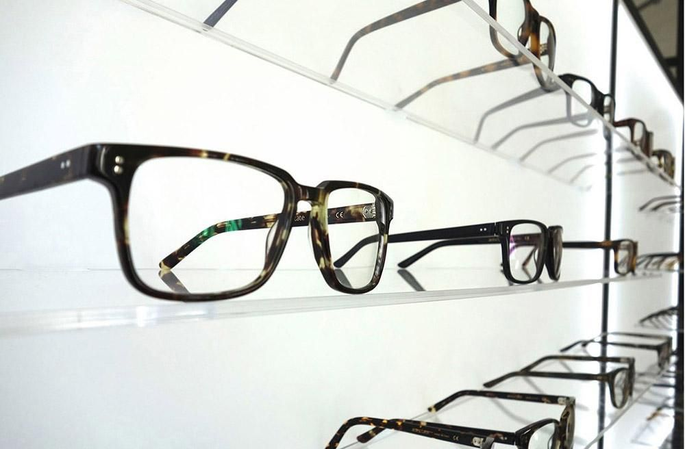 CHOOSING THE RIGHT GLASSES