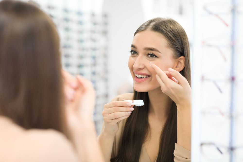 The Differences Between Bifocal and Multifocal Contact Lenses