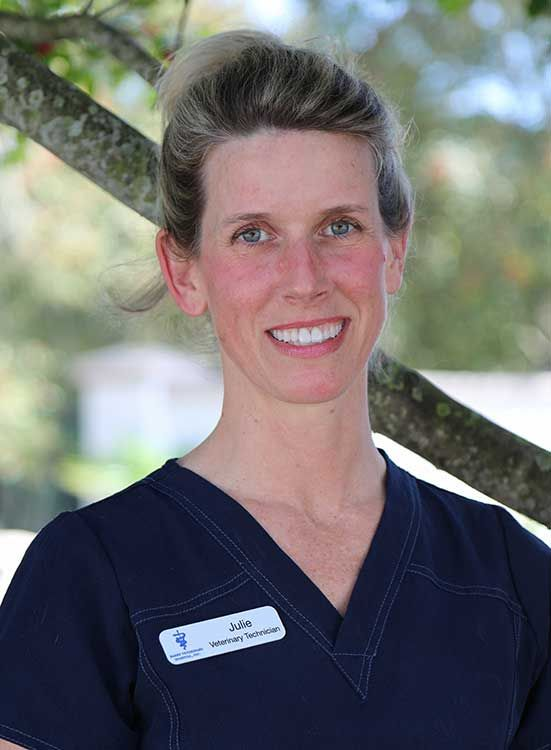 Julie, Miramar Beach, FL Veterinary Technician