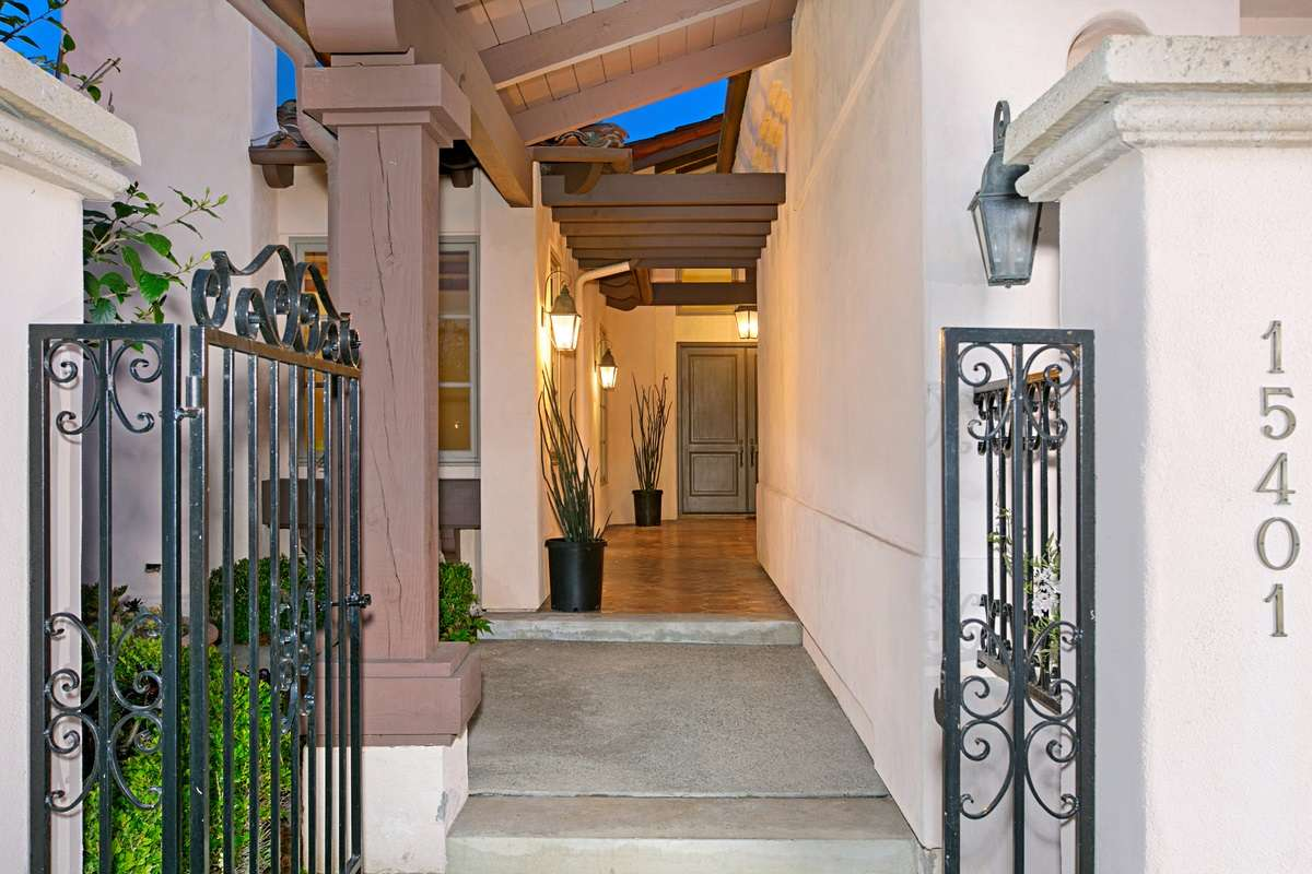 15401 Pimlico Corte