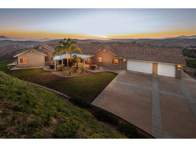 24929 Agrarian Rd, Ramona CA 92065 for sale - Presented to