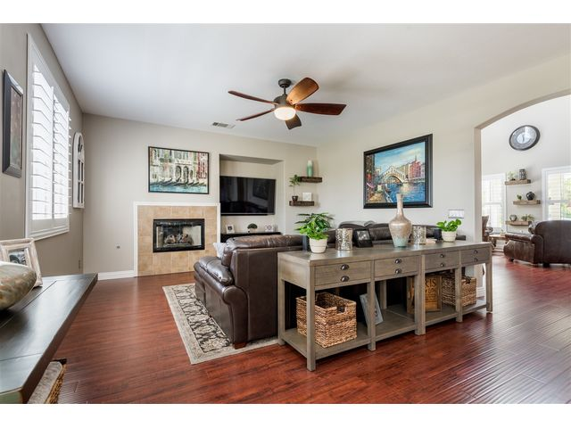 Property details kat ryan homes san diego realtor for 10x10 kitchen cabinets for sale