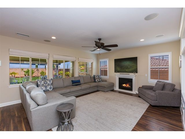 Property details kat ryan homes san diego realtor for 12x15 living room